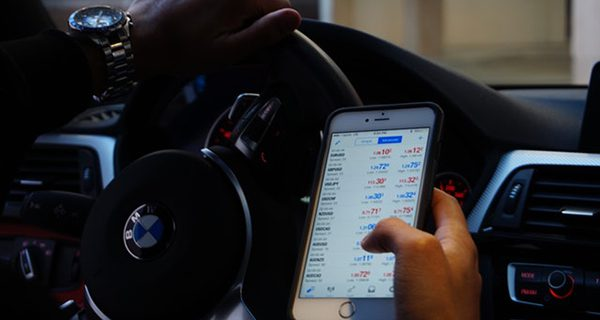 Forget about speeders, let's crack down on driving while phoning