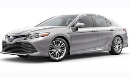 2018 Toyota Camry Hybrid a pretty attractive package