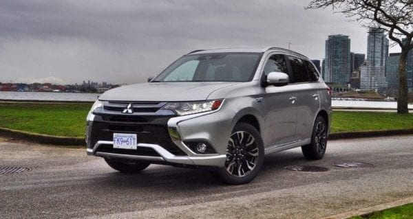 Mitsubishi Outlander PHEV kicks hybrid technology up a notch