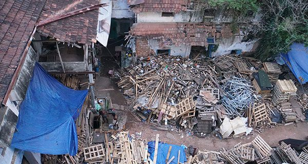 The squalid, stifling slums of Mumbai