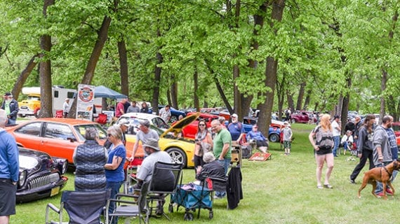 Vintage Cruiser Car Club show takes over Island Park