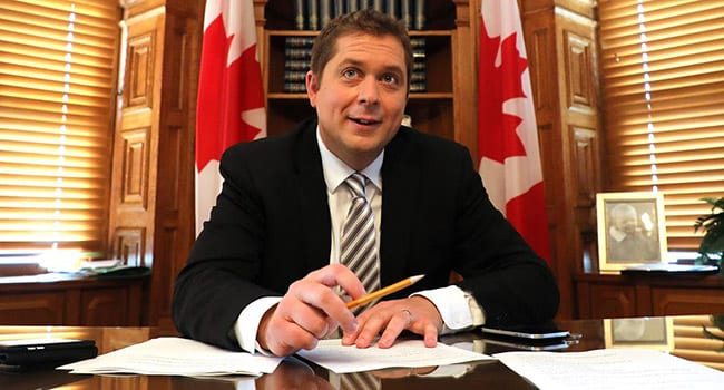 Scheer in tune with Canadians over rail blockades